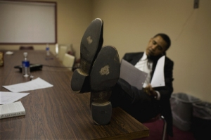 obama-barack-worn-out-shoes